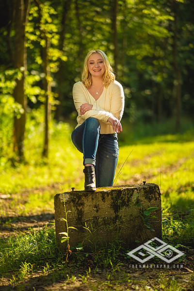Caitlin Asbury Senior-7306240