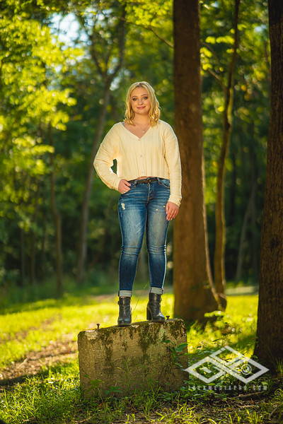 Caitlin Asbury Senior-7306246