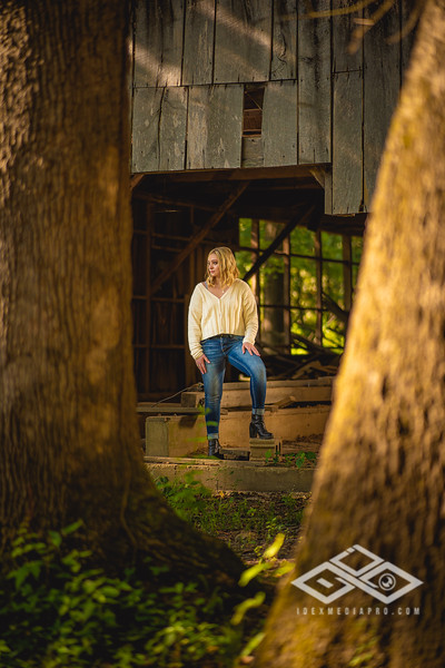 Caitlin Asbury Senior-7306256