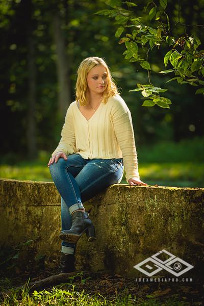 Caitlin Asbury Senior-7306226