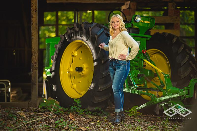 Caitlin Asbury Senior-7306271