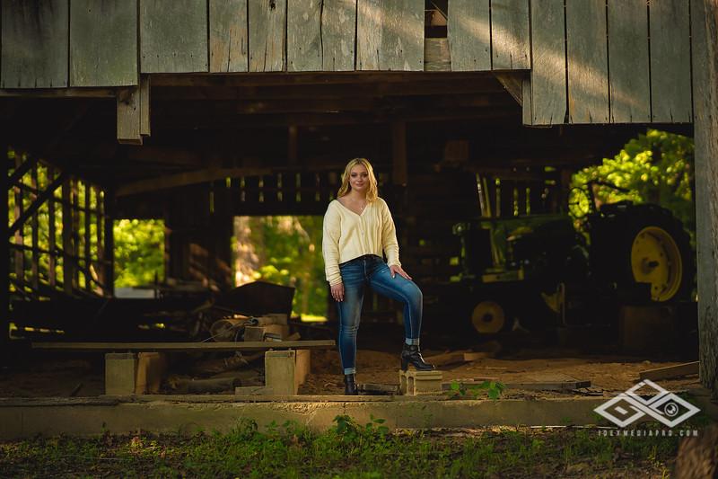 Caitlin Asbury Senior-7306252
