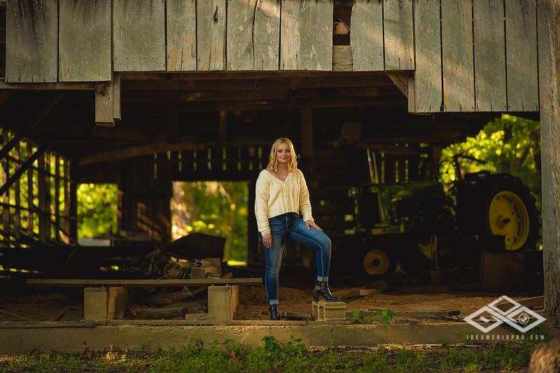 Caitlin Asbury Senior-7306253
