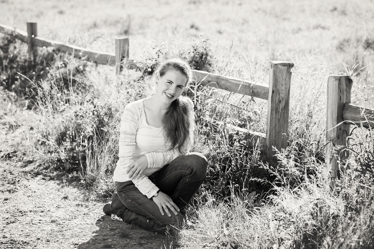 Caitlin_Senior_Sept3-2016__009 B&W