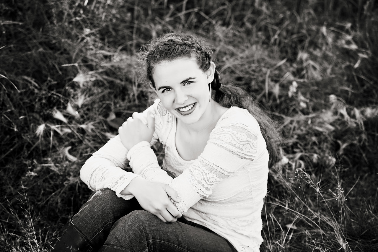 Caitlin_Senior_Sept3-2016__153 B&W