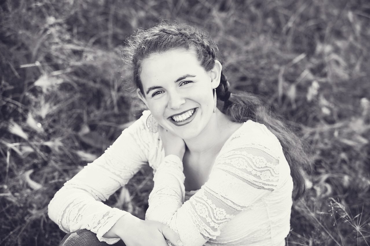 Caitlin_Senior_Sept3-2016__152 B&W