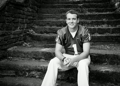 Cole_Carpenter_Senior_14_025
