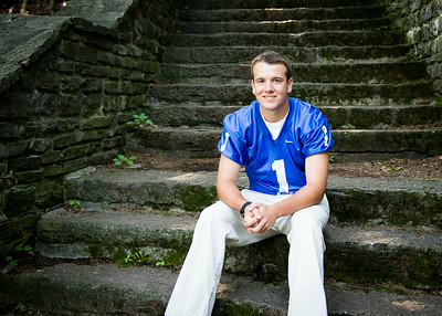 Cole_Carpenter_Senior_14_026