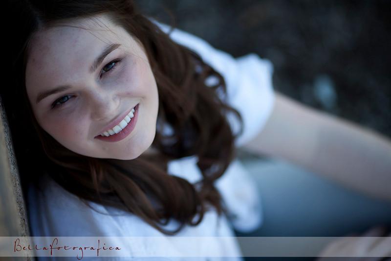 Elissa-Senior-02272010-40