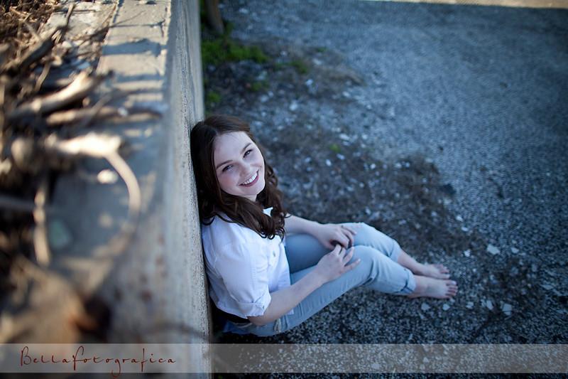 Elissa-Senior-02272010-39