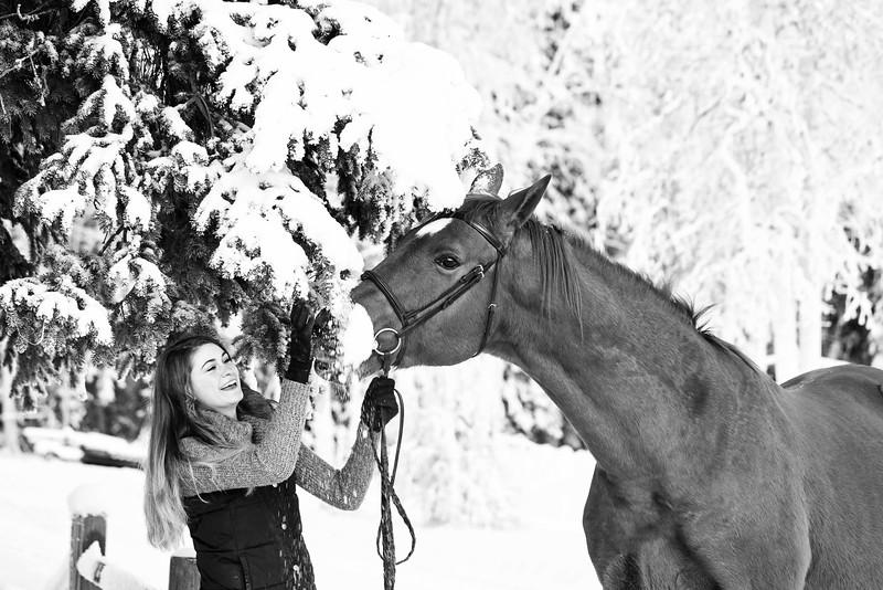 Emma+Clifford_Dec1716_56 B&W