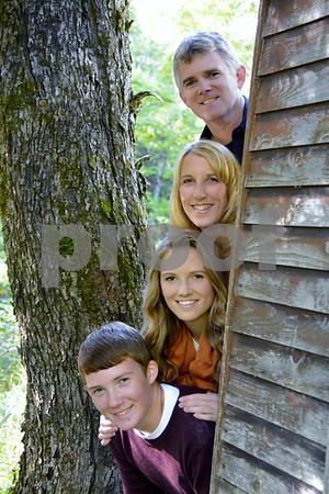 Howes Family & Meg Fall Portraits