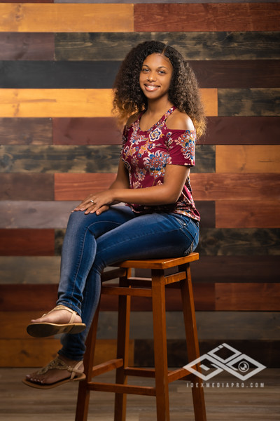 Jaila Senior Portrait-04425