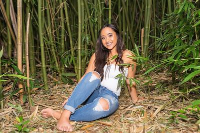 Kayla Senior Web-172