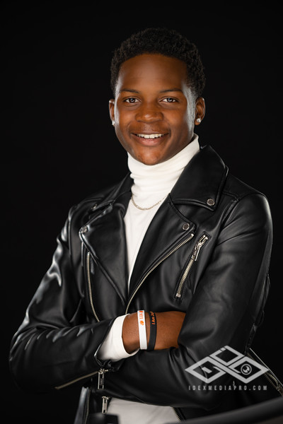 KeVaughn Gaines Senior Portrait-06114