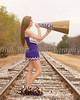 _J6A0918 tracks stand Madi