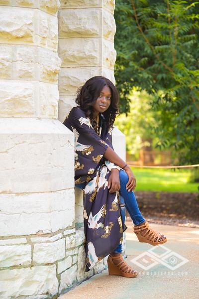 Madison Young Senior Portrait-08340-Edit