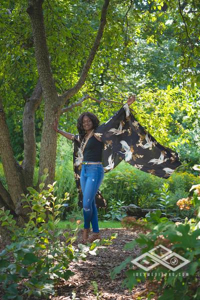 Madison Young Senior Portrait-08317