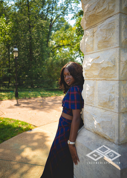 Madison Young Senior Portrait-08359-Edit