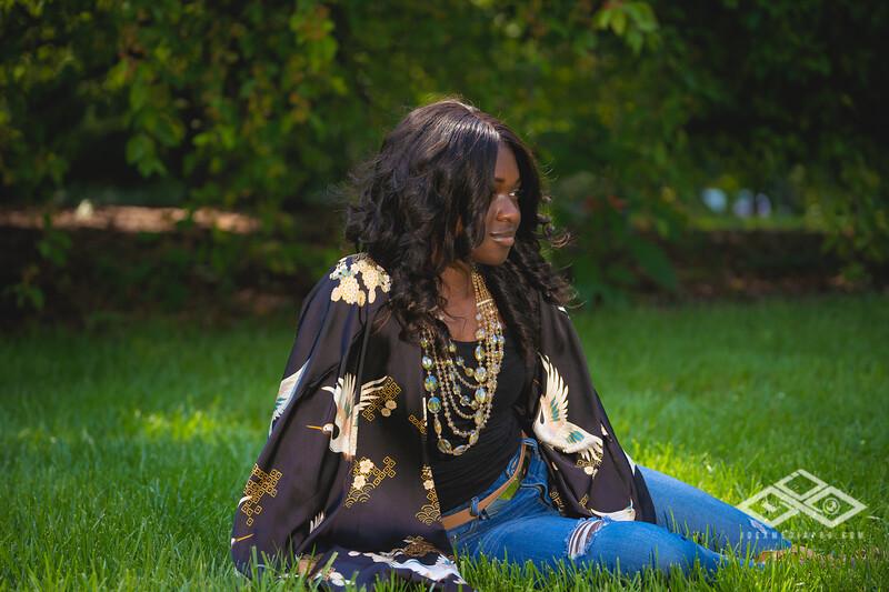 Madison Young Senior Portrait-08303