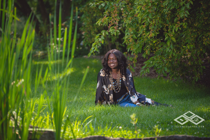 Madison Young Senior Portrait-08299