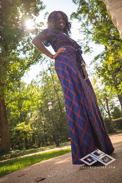 Madison Young Senior Portrait-08365