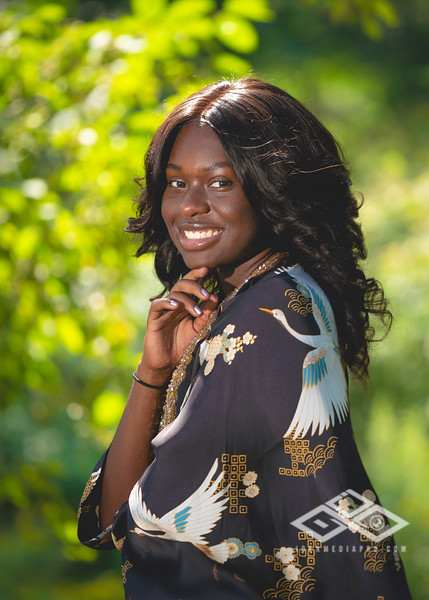 Madison Young Senior Portrait-08308-Edit