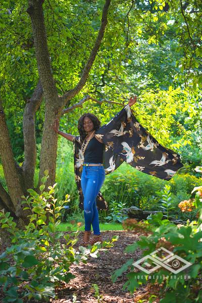 Madison Young Senior Portrait-08317-Edit