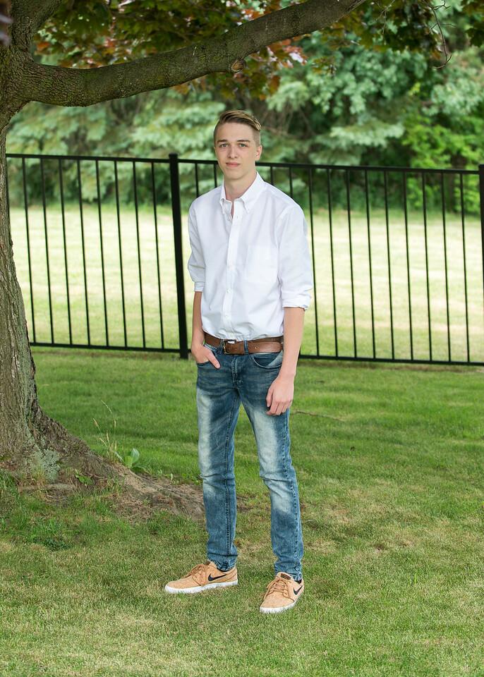 Patrick-Munson-Senior2017-098
