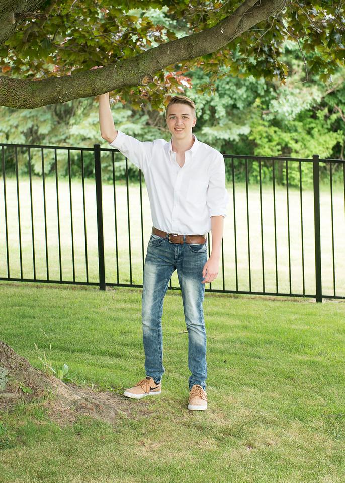 Patrick-Munson-Senior2017-081