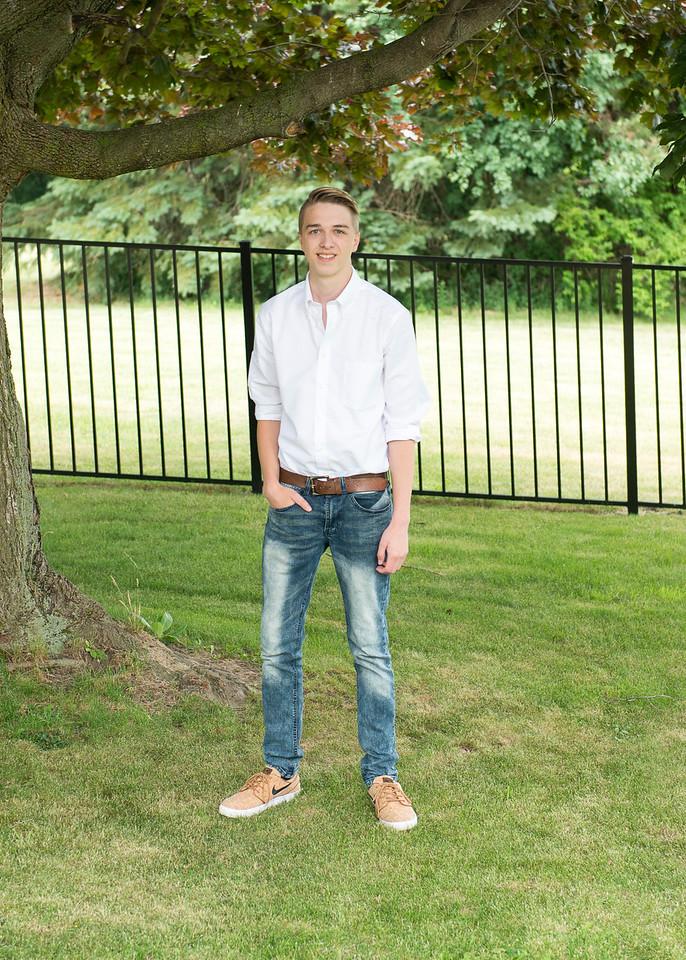 Patrick-Munson-Senior2017-088
