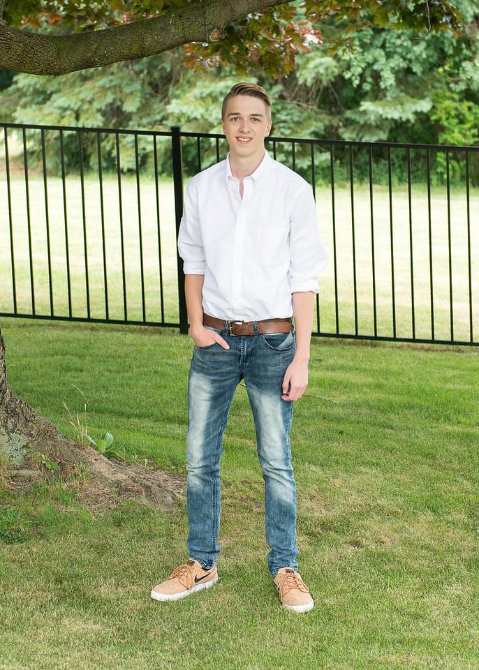 Patrick-Munson-Senior2017-084