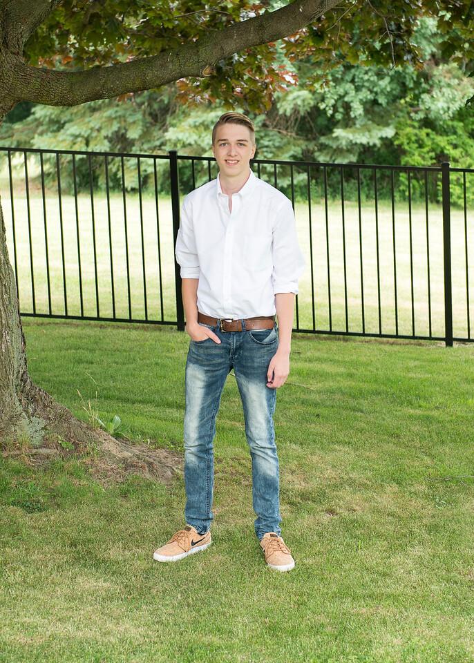 Patrick-Munson-Senior2017-087
