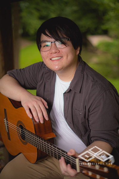 Randy Truong - Senior-00277