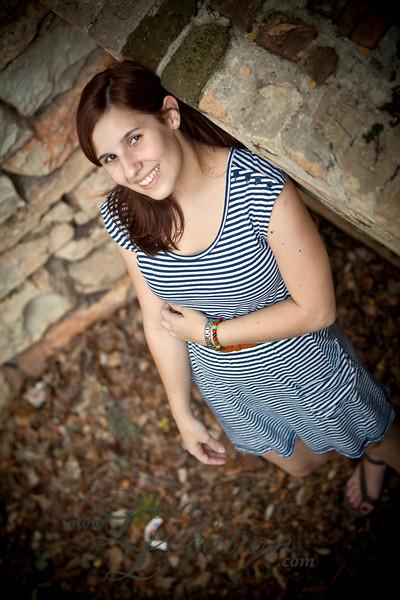 New Braunfels senior portraits by Lisa On Location.