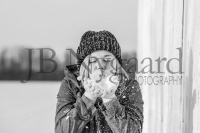 2-07-18 Lani Bischoff - winter Senior Pictures-187