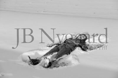 2-07-18 Lani Bischoff - winter Senior Pictures-285