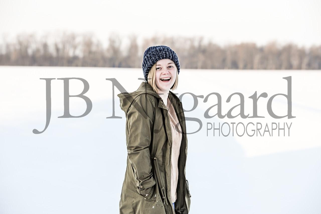 2-07-18 Lani Bischoff - winter Senior Pictures-195