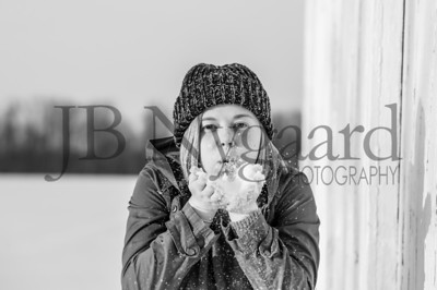 2-07-18 Lani Bischoff - winter Senior Pictures-186