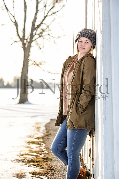 2-07-18 Lani Bischoff - winter Senior Pictures-144