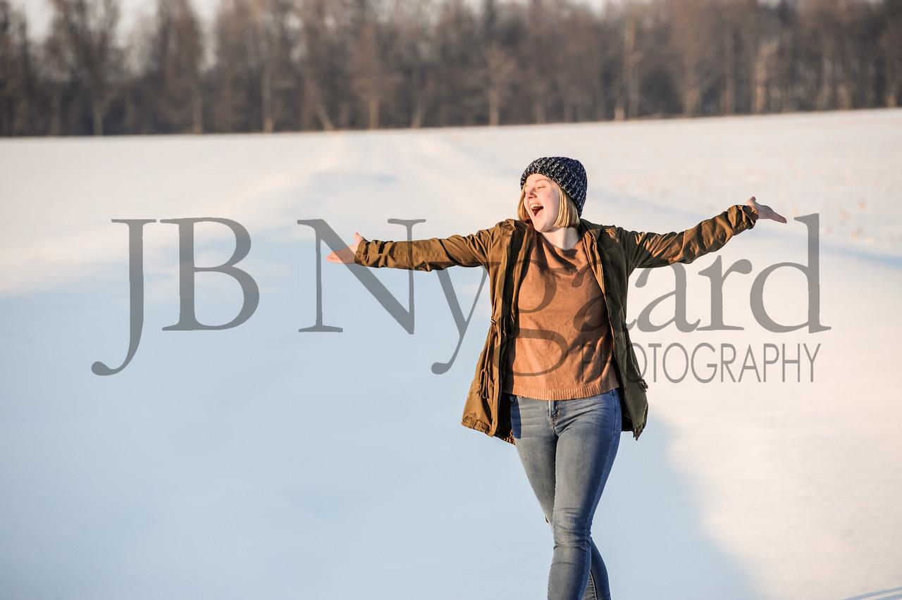 2-07-18 Lani Bischoff - winter Senior Pictures-244