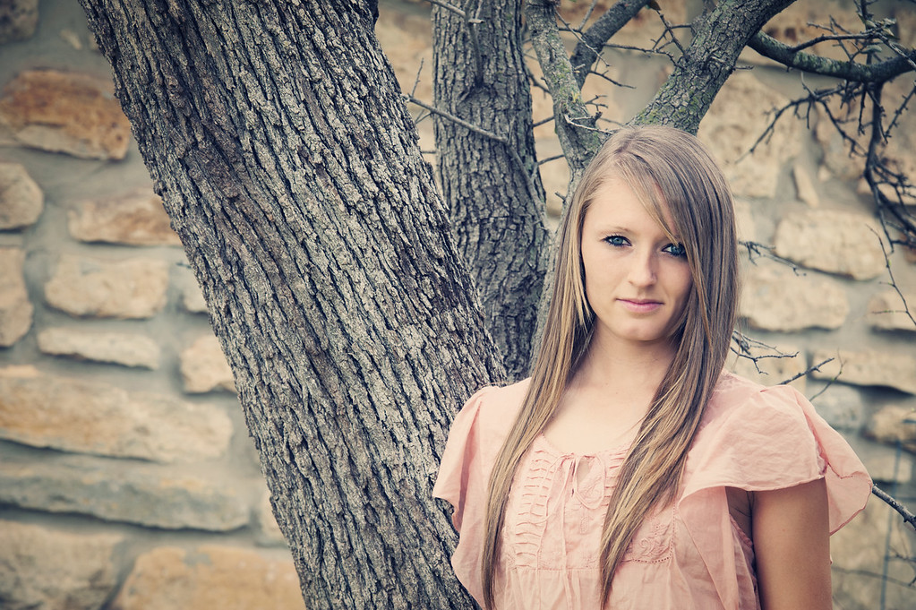 Tealey_Senior-12- 25531_15-Edit