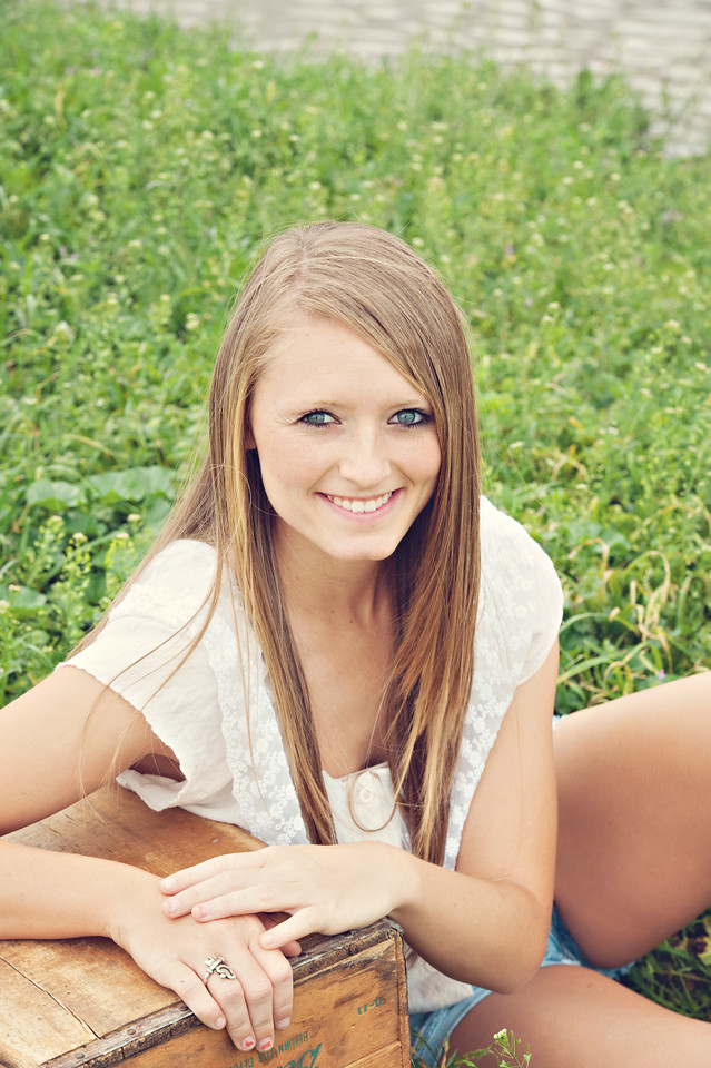 Tealey_Senior-12- 25683_15-Edit