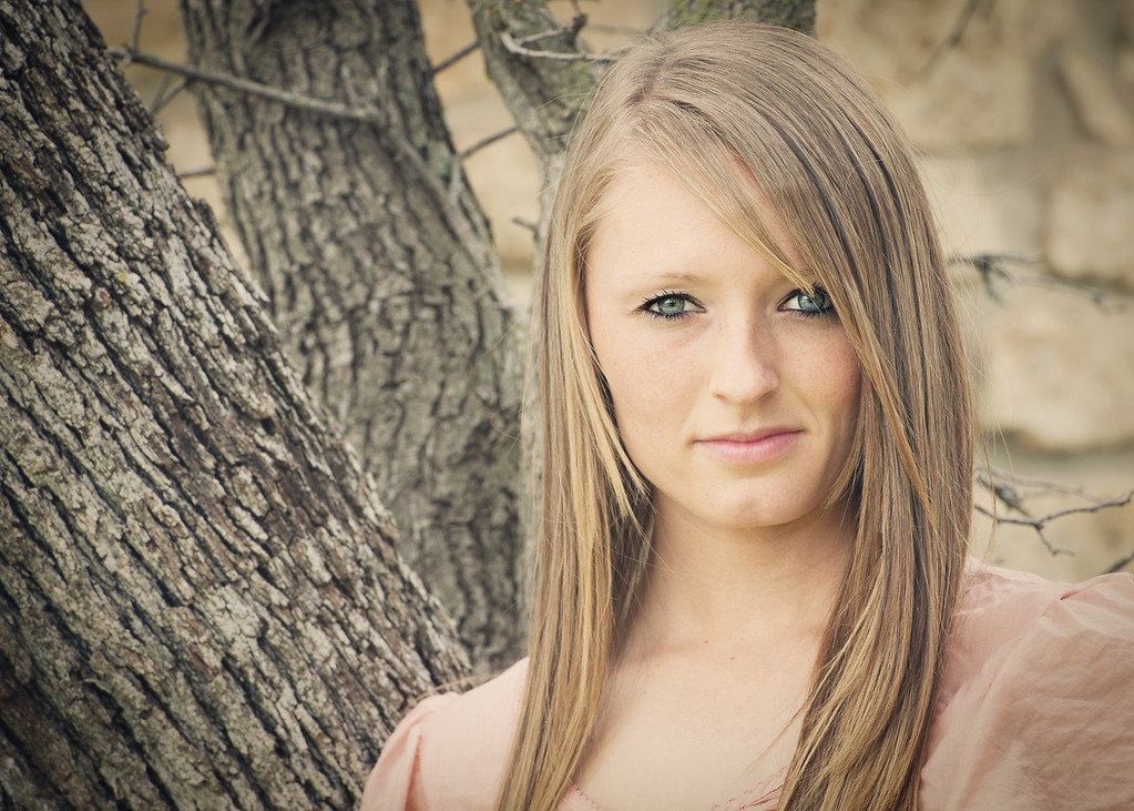 Tealey_Senior-12- 25532_15-Edit