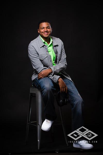Terrel Senior Portrait-4887
