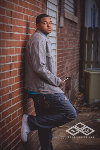 Terrel Senior Portrait-4905
