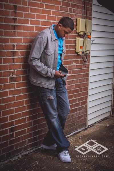 Terrel Senior Portrait-4903