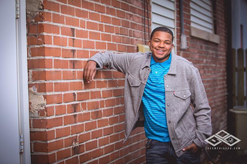 Terrel Senior Portrait-4913
