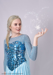 Frozen Cosplayer