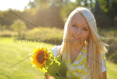 Warm and Sunny Senior Portraits